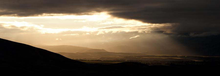 Sunrise_Gibston_Valley_New Zealand_©_www.petergreitzke.com